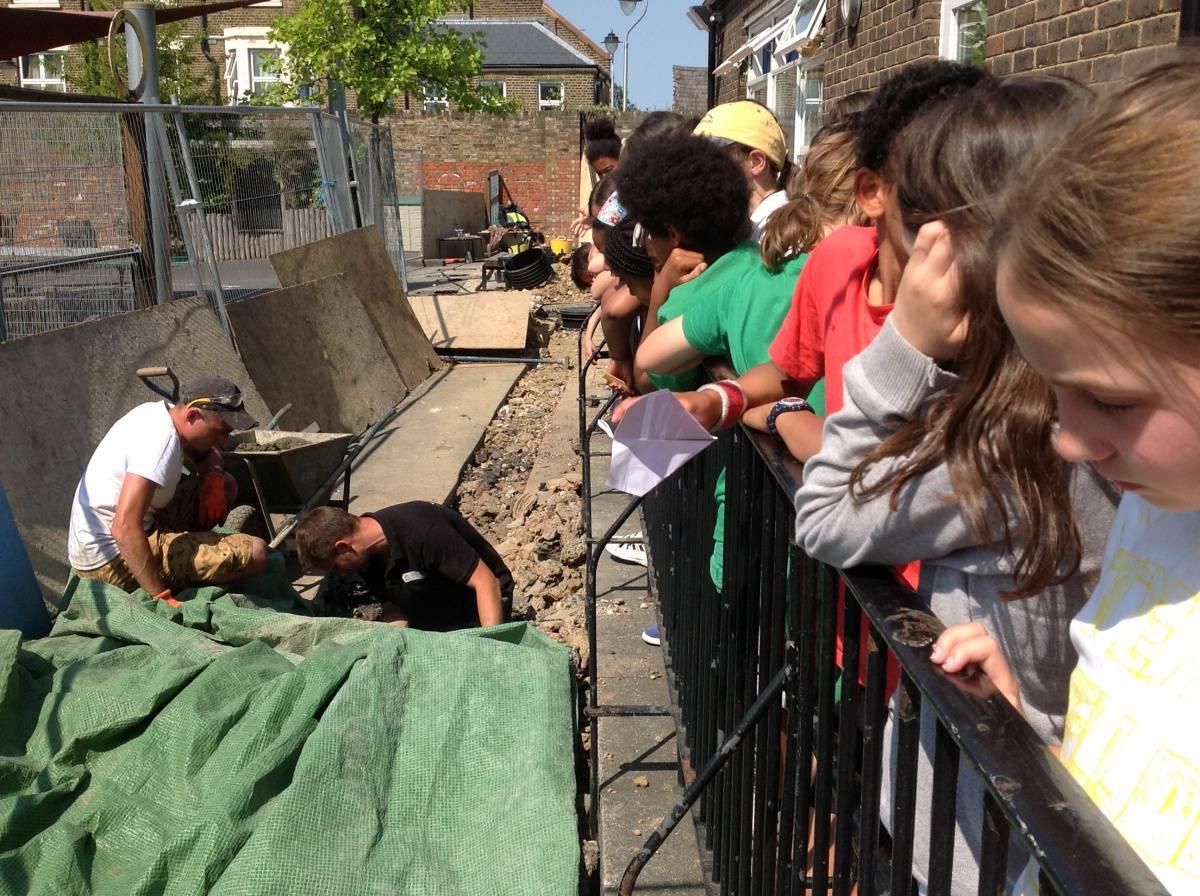 Year 6 Time Capsule Buried! - Eleanor Palmer Primary School